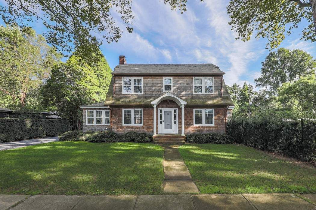 88 Mill Hill Lane East Hampton, NY 11937