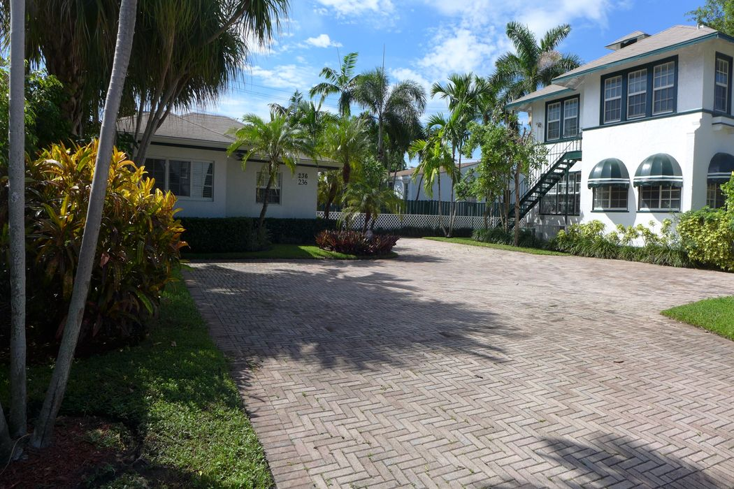 236 10th St West Palm Beach, FL 33401
