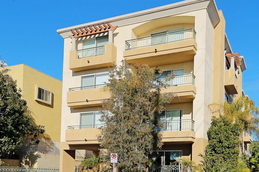 11863 Texas Ave Los Angeles, CA 90025