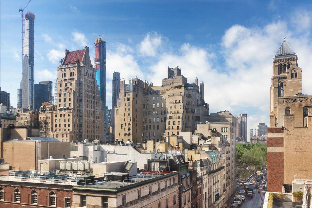27 East 65th Street New York, NY 10065