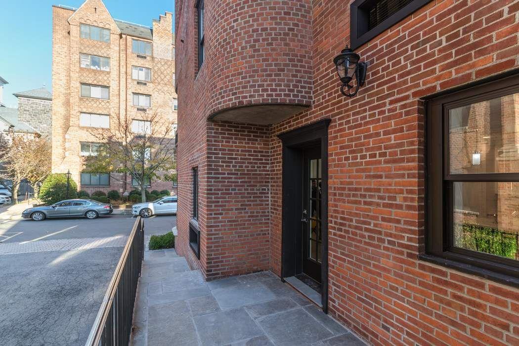 9 Lafayette Court Llc Greenwich, CT 06830