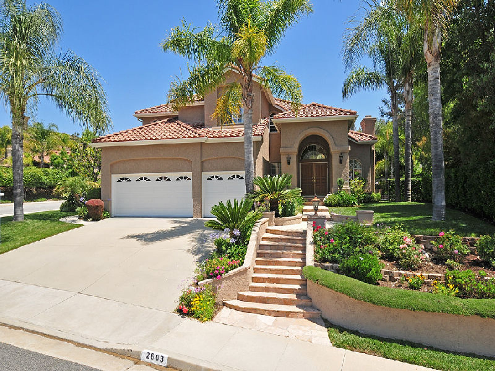 Beautiful Updated 5 Bedroom, Westlake Village CA Single Family Home - Los Angeles Real Estate