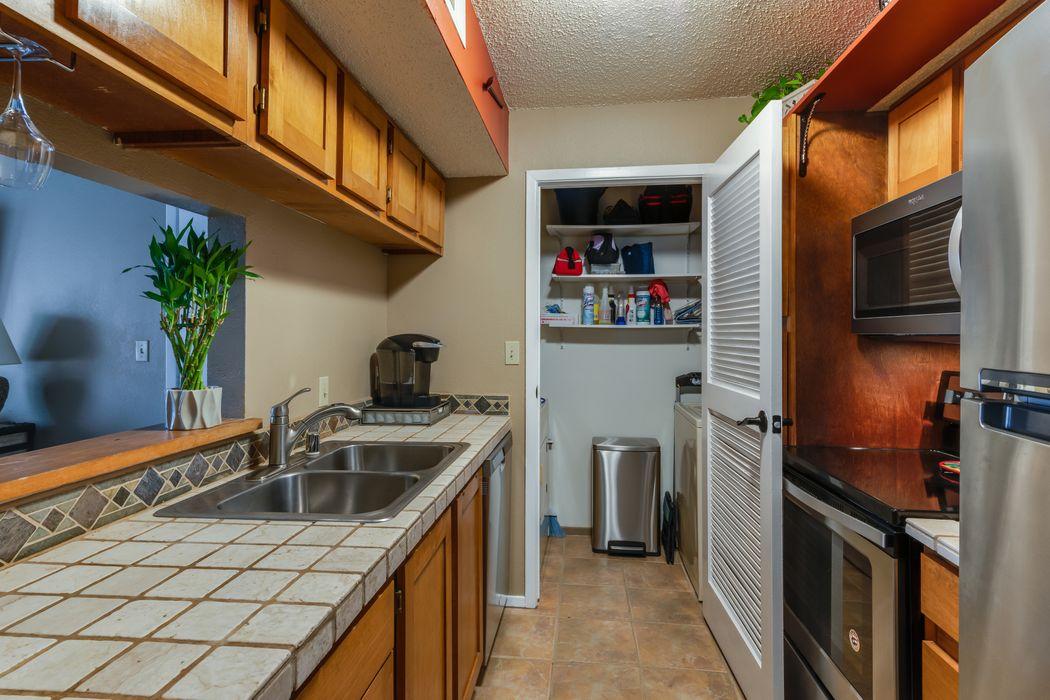 2501 W. Zia Road Unit 4-206 Santa Fe, NM 87505