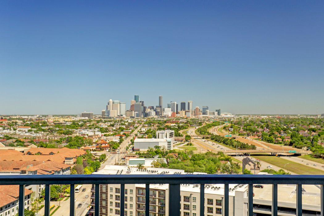 5925 Almeda Road Houston, TX 77004