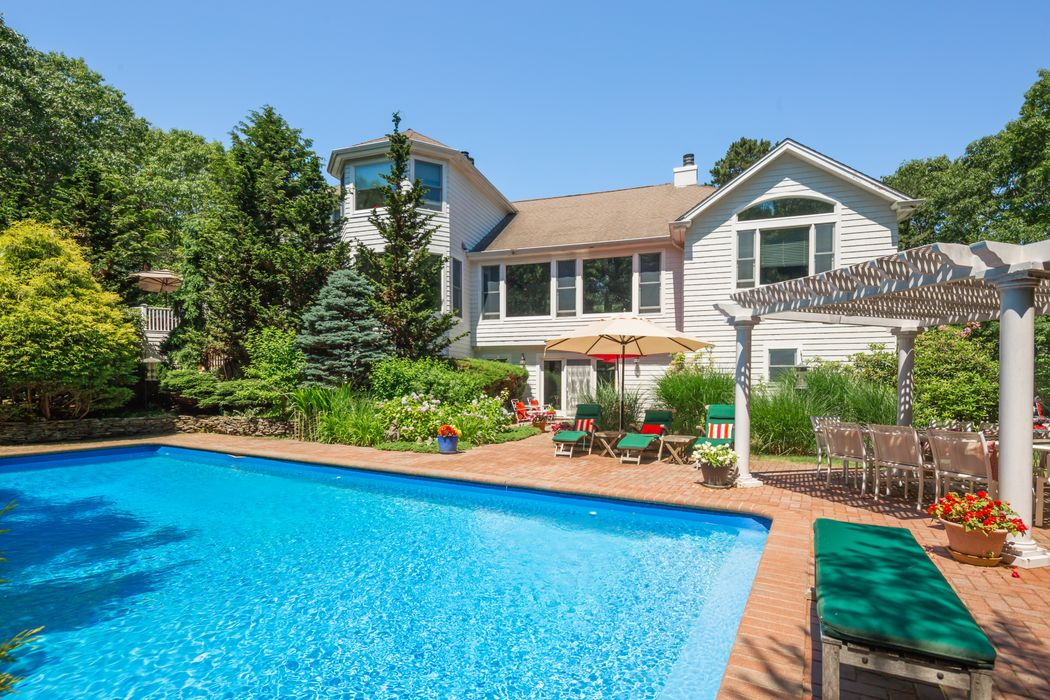 8 Joshuas Path East Hampton, NY 11937
