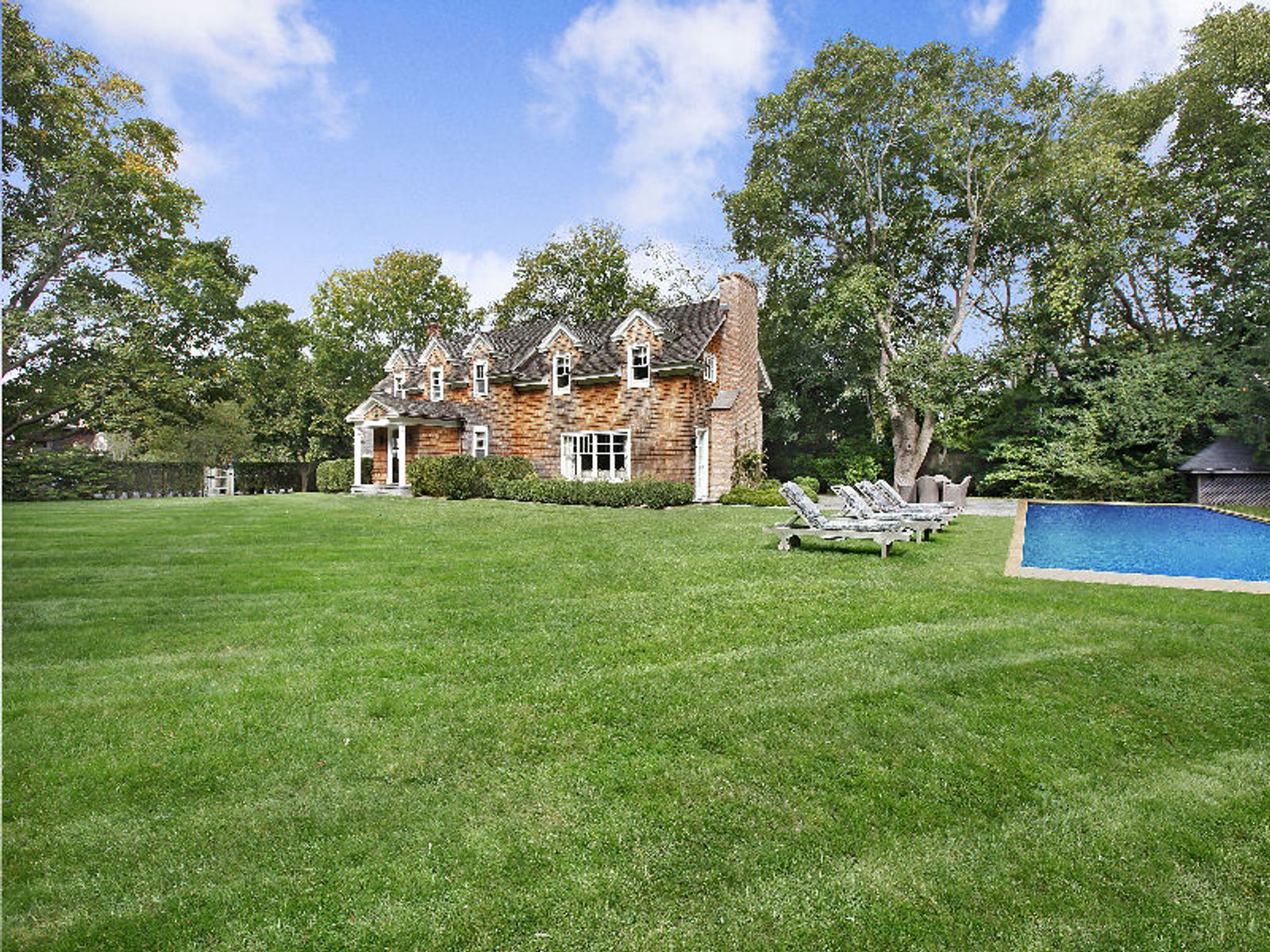 Elegant Village Estate - East Hampton