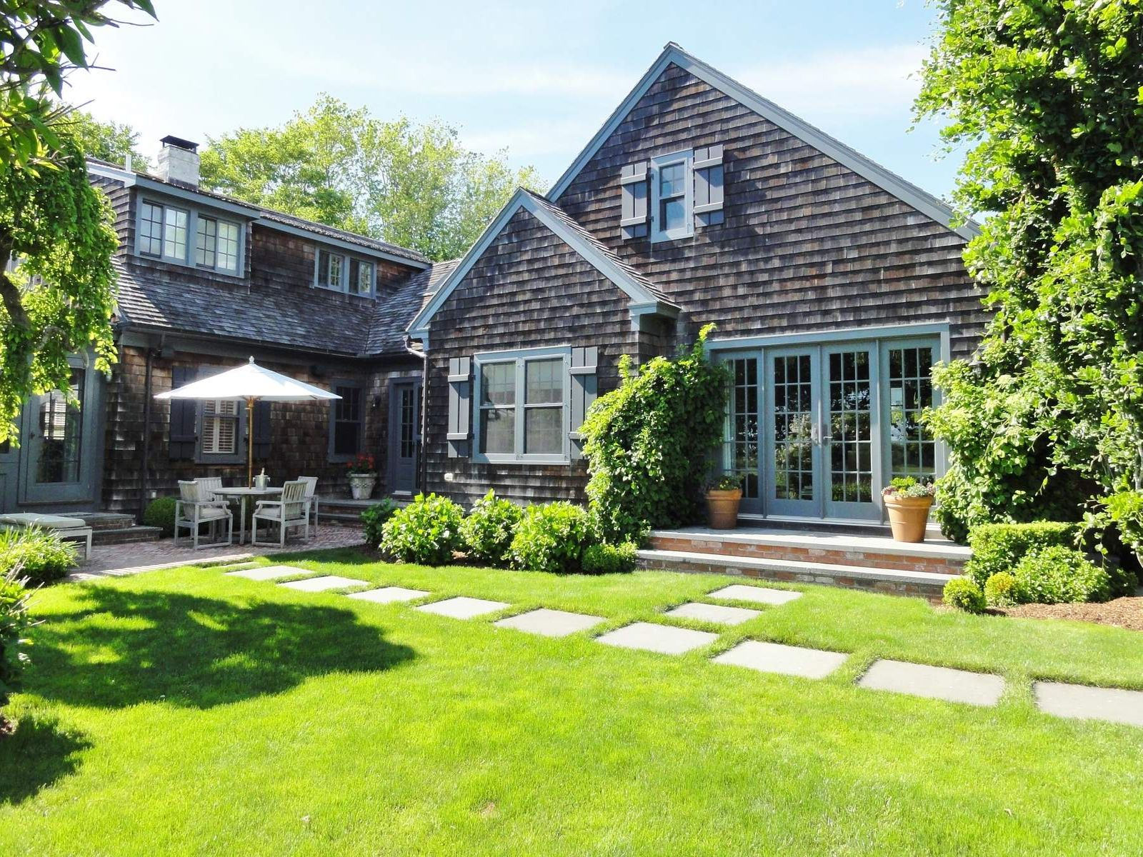Charming In Village South, Bridgehampton NY Single Family Home - Hamptons Real Estate