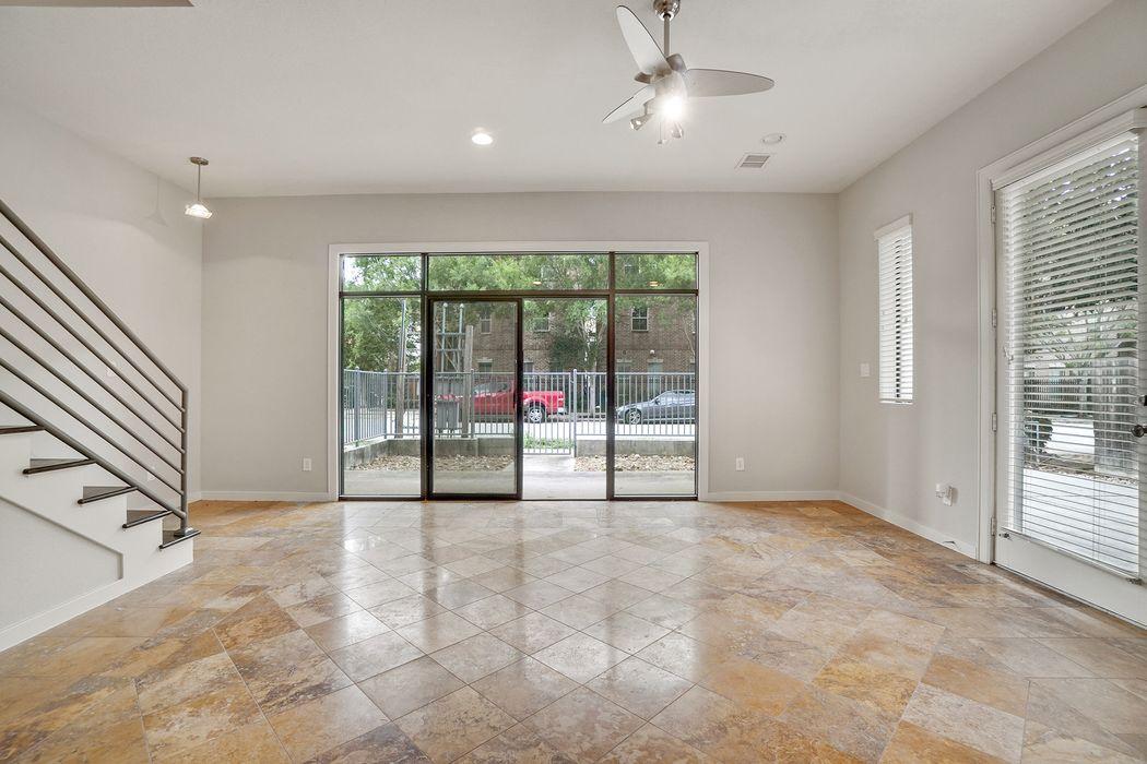 208 Detering Street Houston, TX 77007