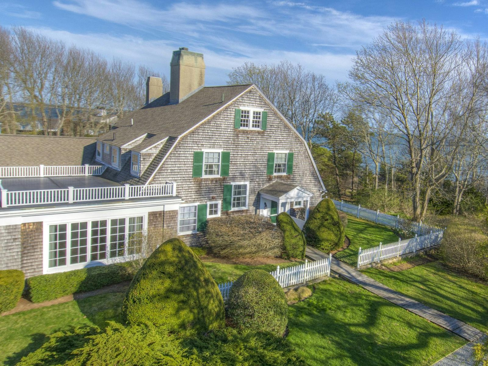 Hyannis Port Waterfront Estate, Hyannis Port MA Single Family Home - Cape Cod Real Estate