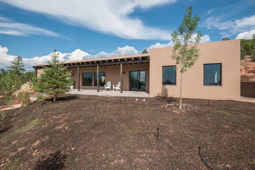 817 Stagecoach Dr Santa Fe, NM 87501