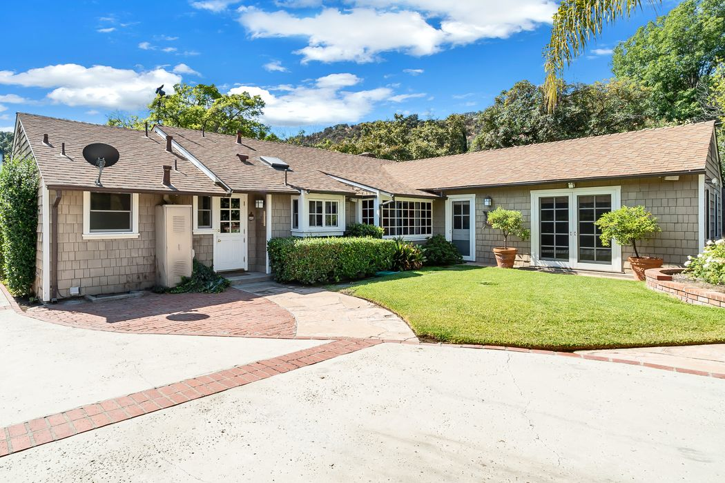 1215 Charles Street Pasadena, CA 91103