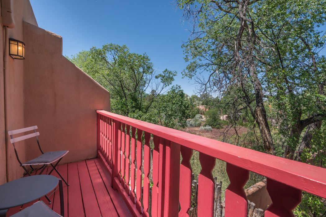 112 Camino Escondido #4 Santa Fe, NM 87502