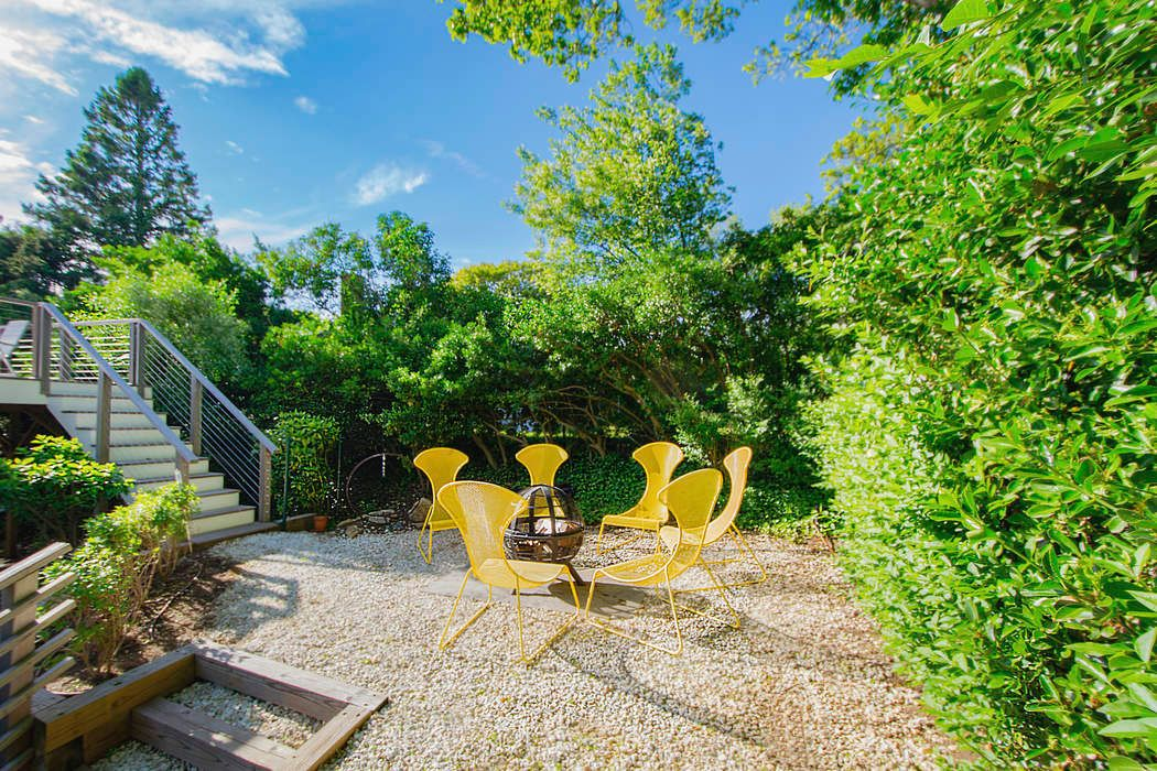46 Cliff Drive Sag Harbor, NY 11963