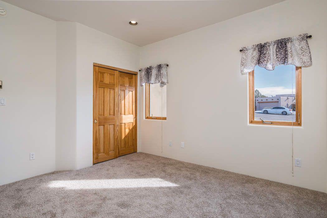 3132 Pueblo Hawikuh Santa Fe, NM 87507