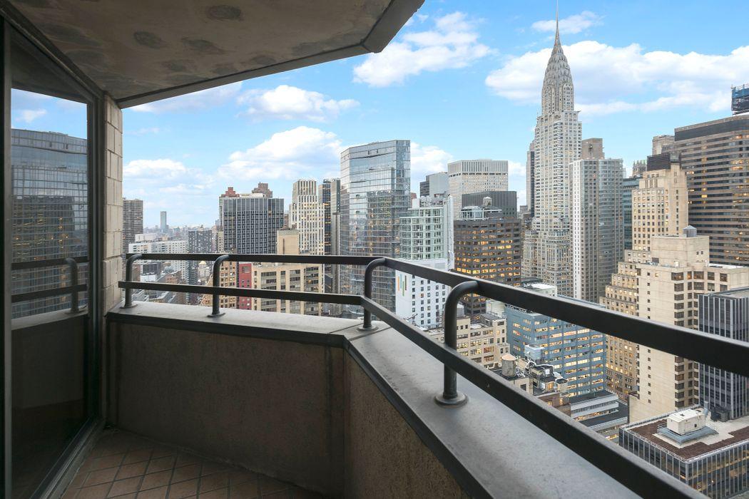 240 East 47th Street New York, NY 10017
