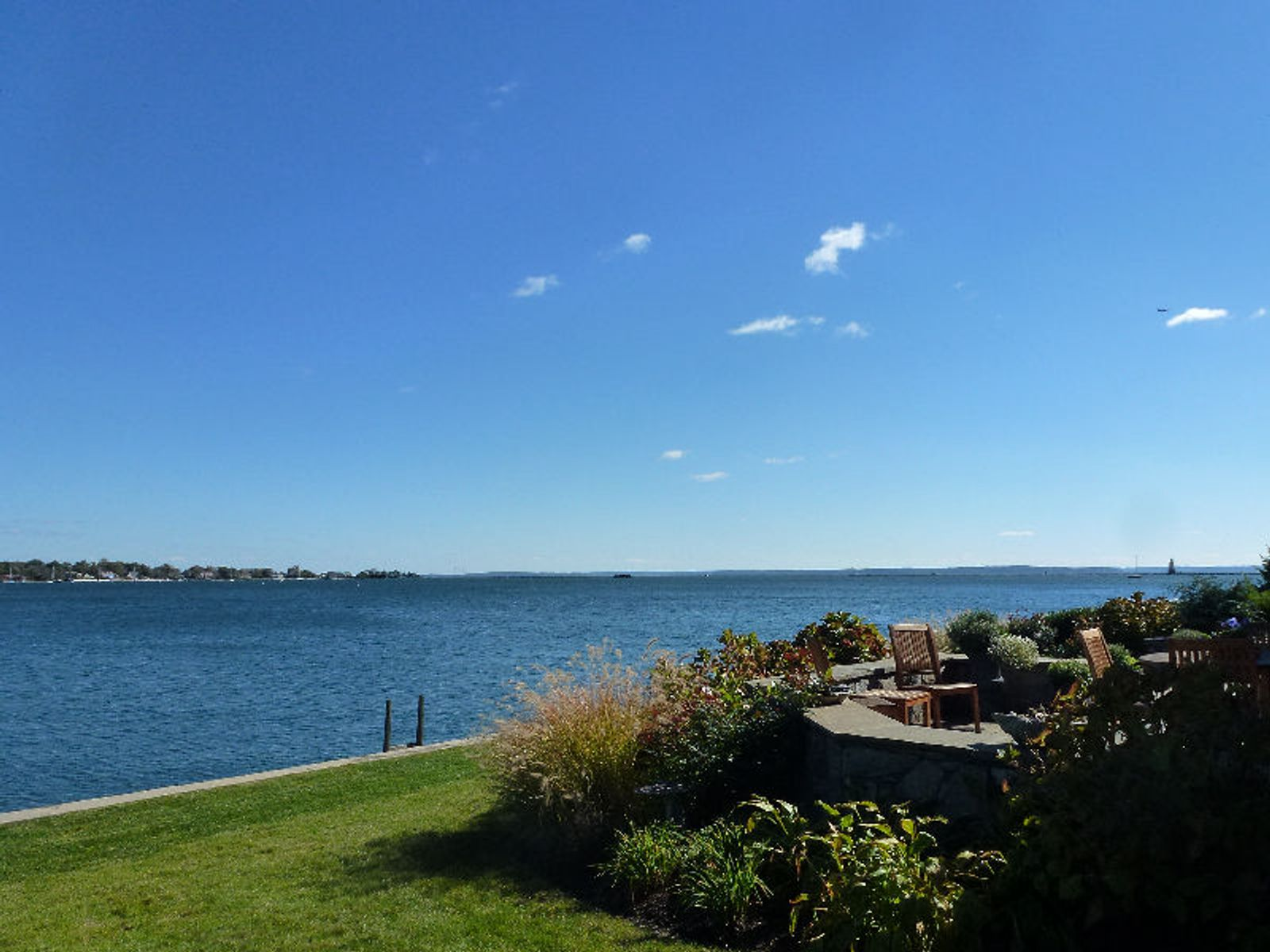 Direct Waterfront - Dolphin Cove, Stamford CT Single Family Home - Greenwich Real Estate