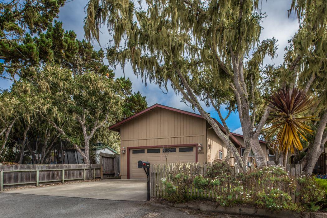 1303 Lincoln Avenue Pacific Grove, CA 93950