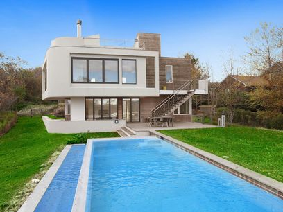 Champion New Modern Architecture, Montauk NY Single Family Home - Hamptons Real Estate
