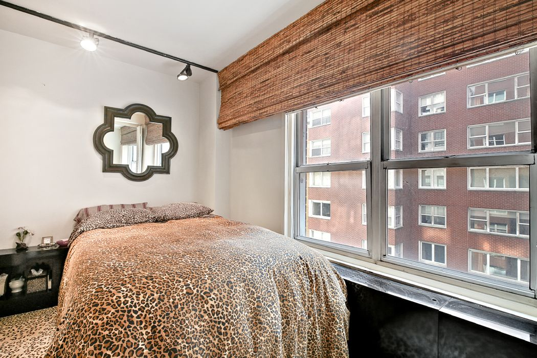 35 East 85th Street New York, NY 10028