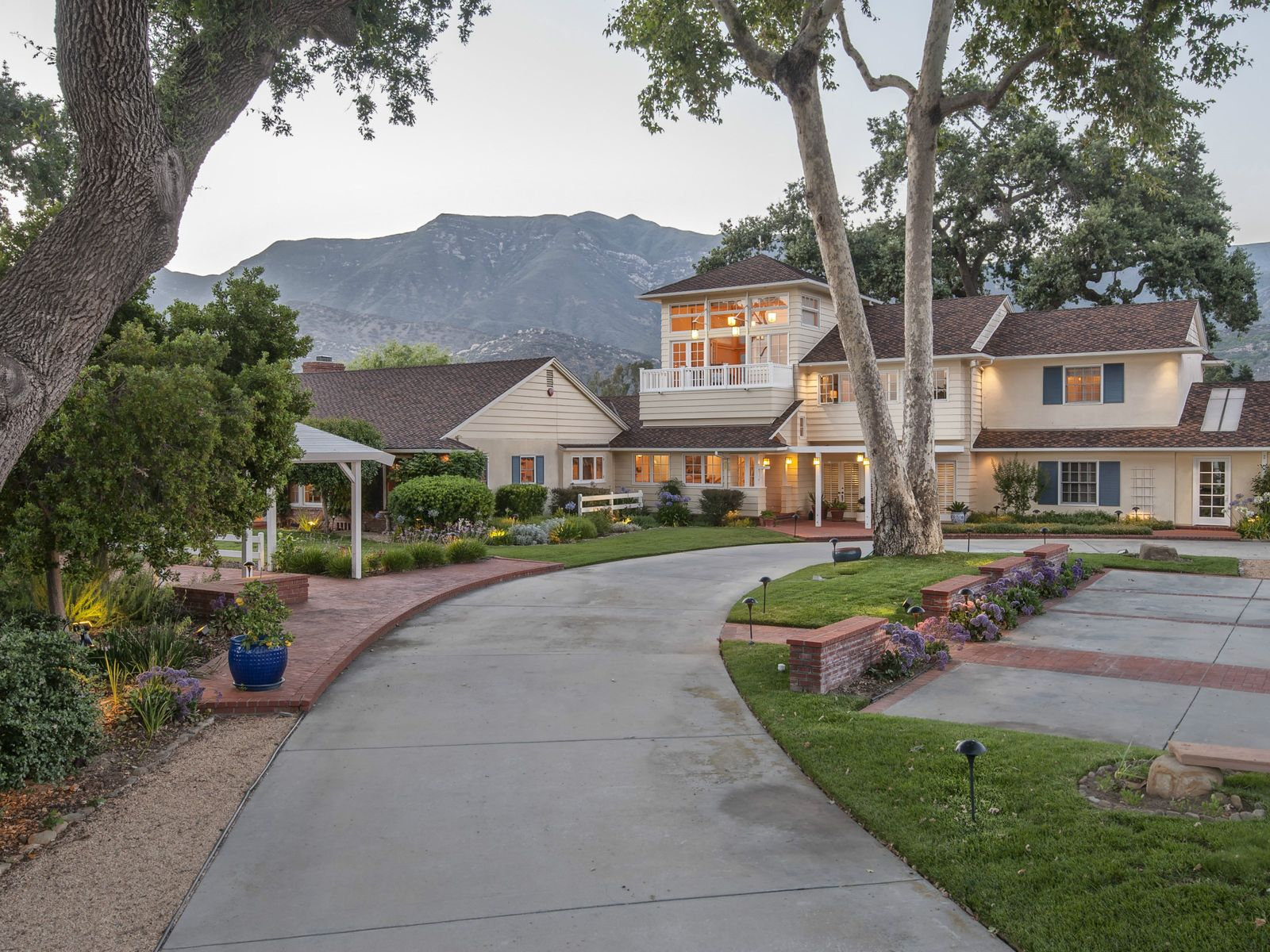 Stunning Haldora Ranch, Ojai CA Ranch / Farm - Ventura Real Estate