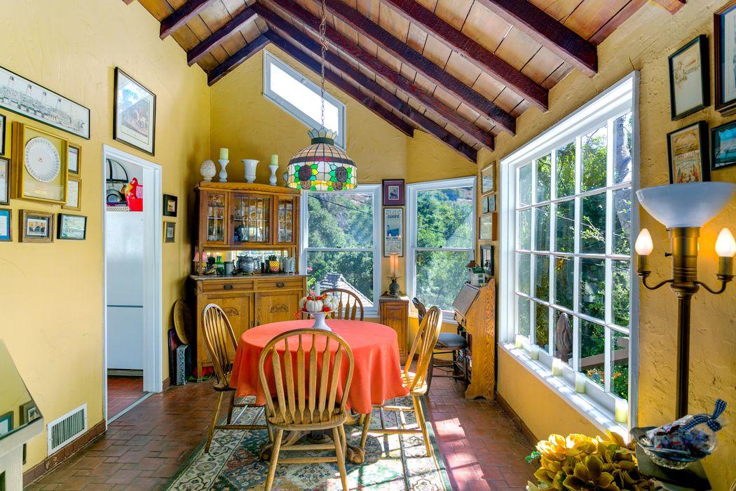1855 Verdugo Knolls Drive Glendale, CA 91208