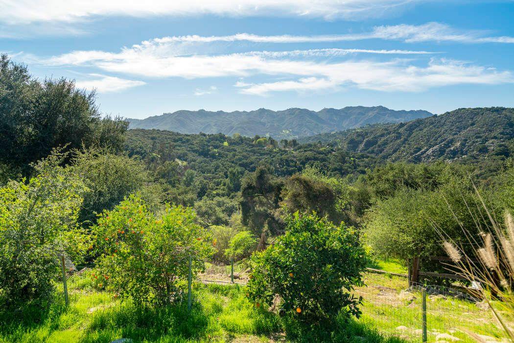 20756 Hillside Dr Topanga, CA 90290