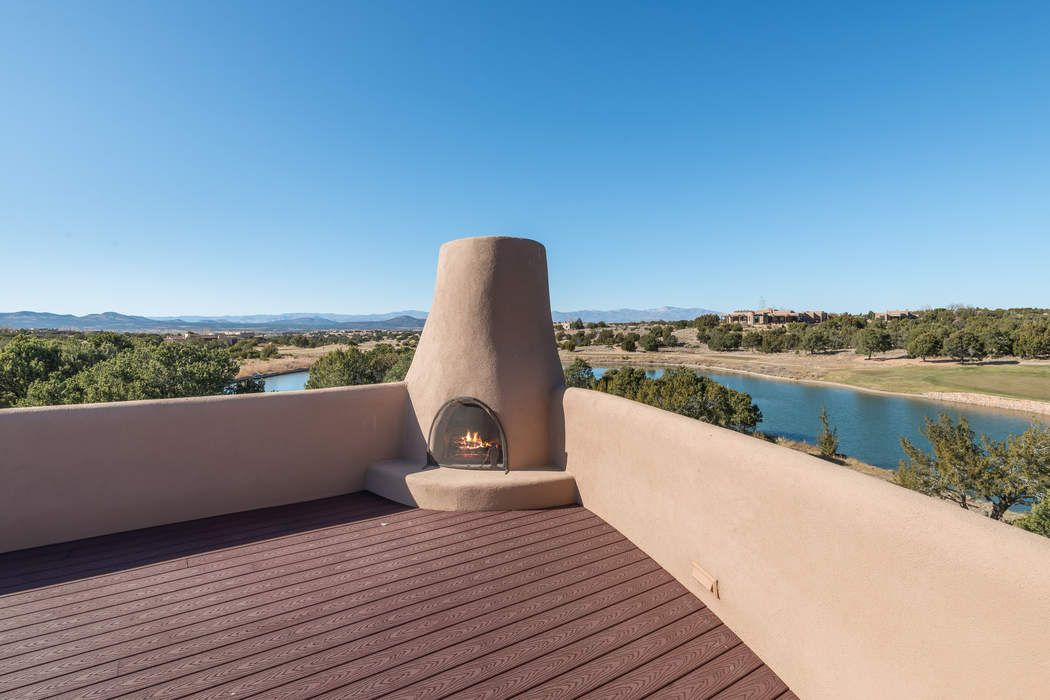 11 E. Arrowhead Circle Santa Fe, NM 87506