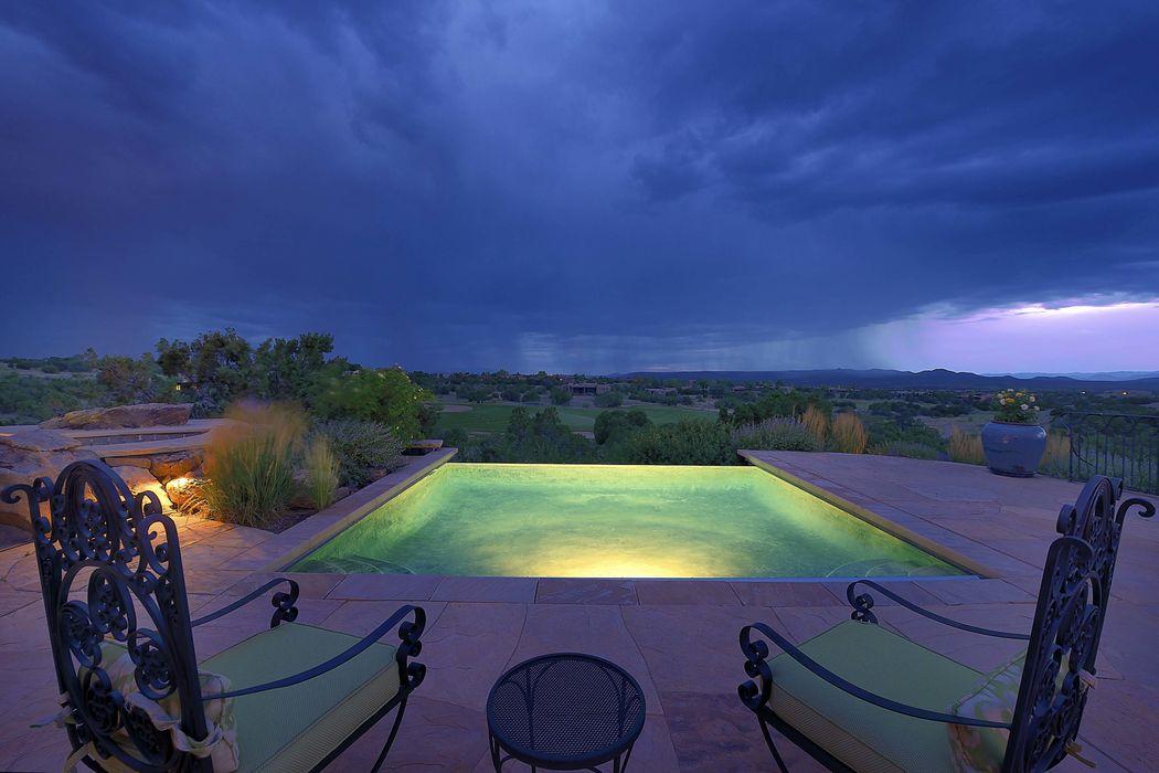 38 Mustang Mesa Santa Fe, NM 87506
