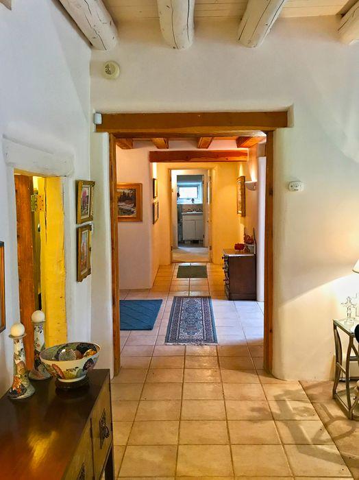 450 La Posta Taos, NM 87571