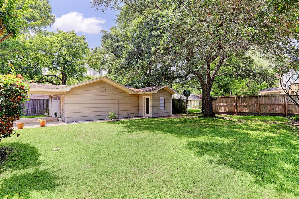 5666 Inwood Drive Houston, TX 77056
