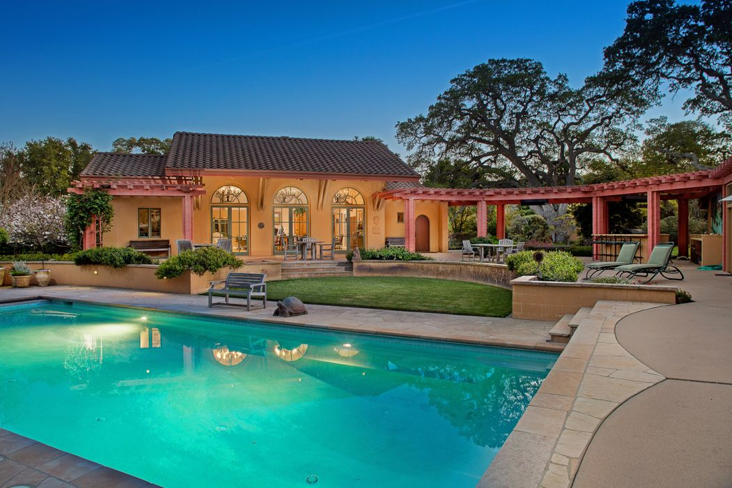 Magnificent Markham Ranch Estate