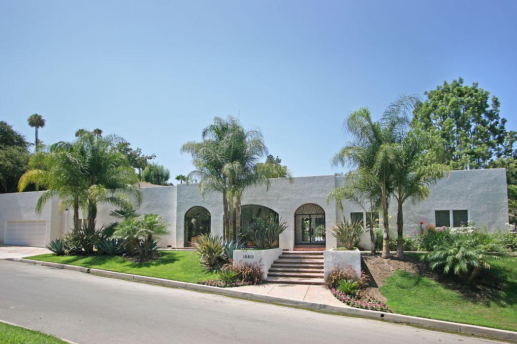 16815 Bajio Road Encino, CA 91436