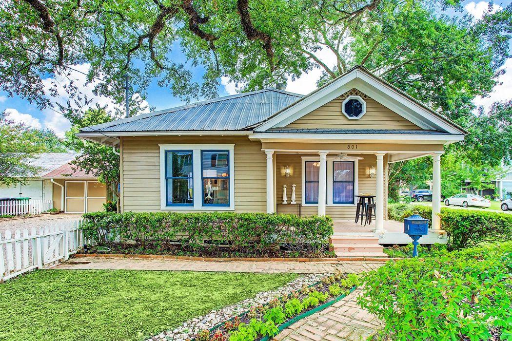 601 West 10th Street Houston, TX 77008