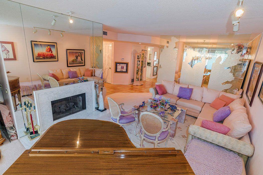Gated Resort Living In Encino, CA