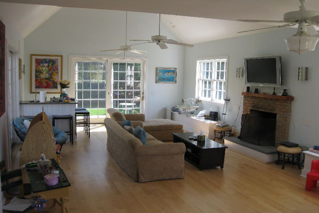 Convenient and Charming Bridgehampton, NY 11932