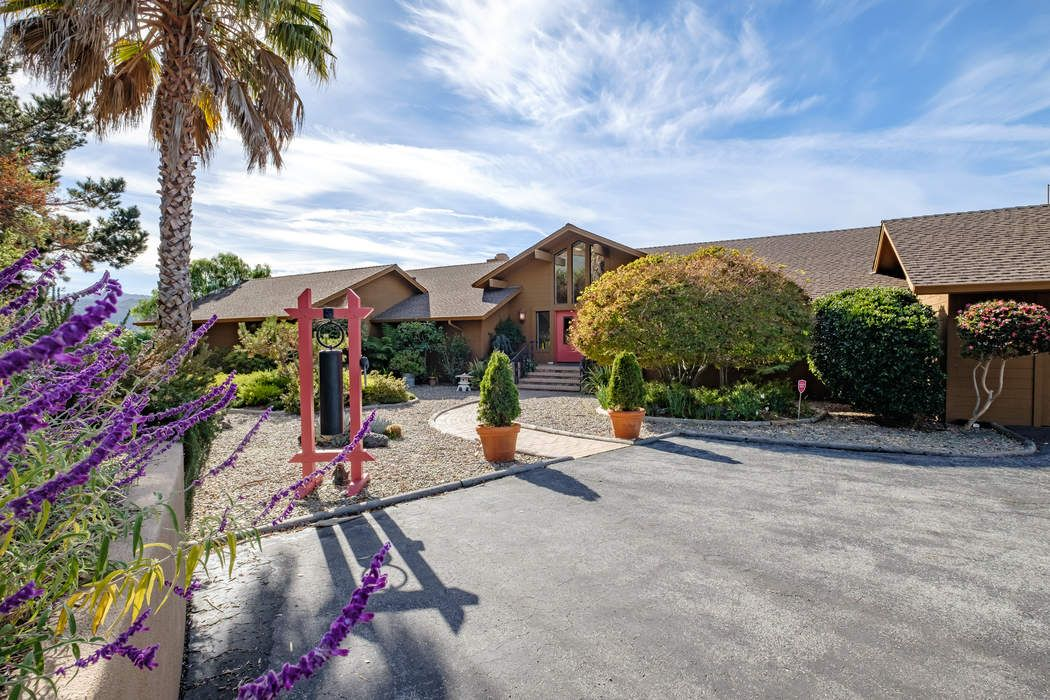 13083 Middle Canyon Road Carmel Valley, CA 93924