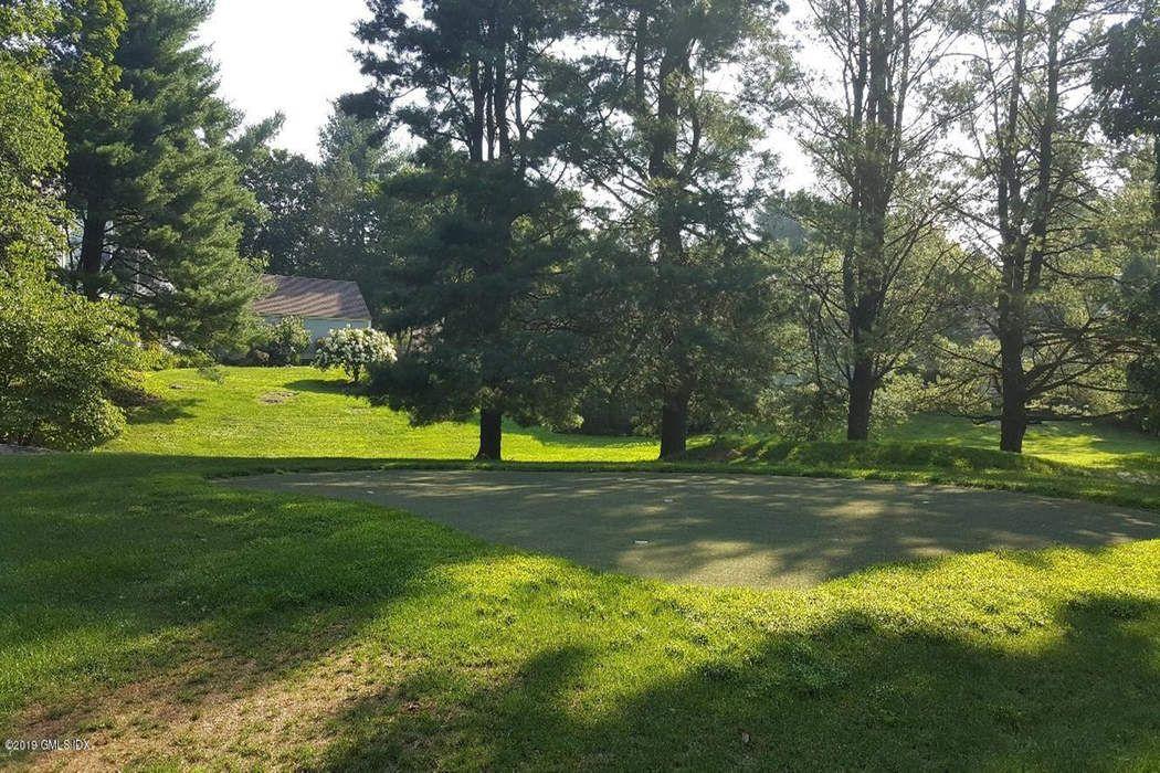 22 East Lyon Farm Drive Greenwich, CT 06831