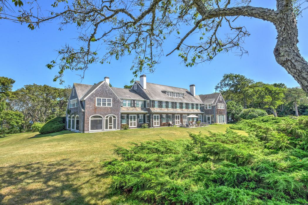 188 Gansett Road Woods Hole, MA 02543
