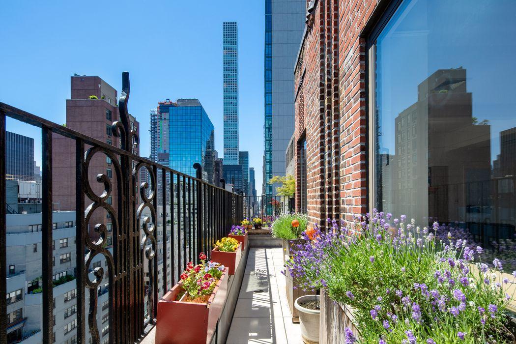 227 East 57th Street New York, NY 10022