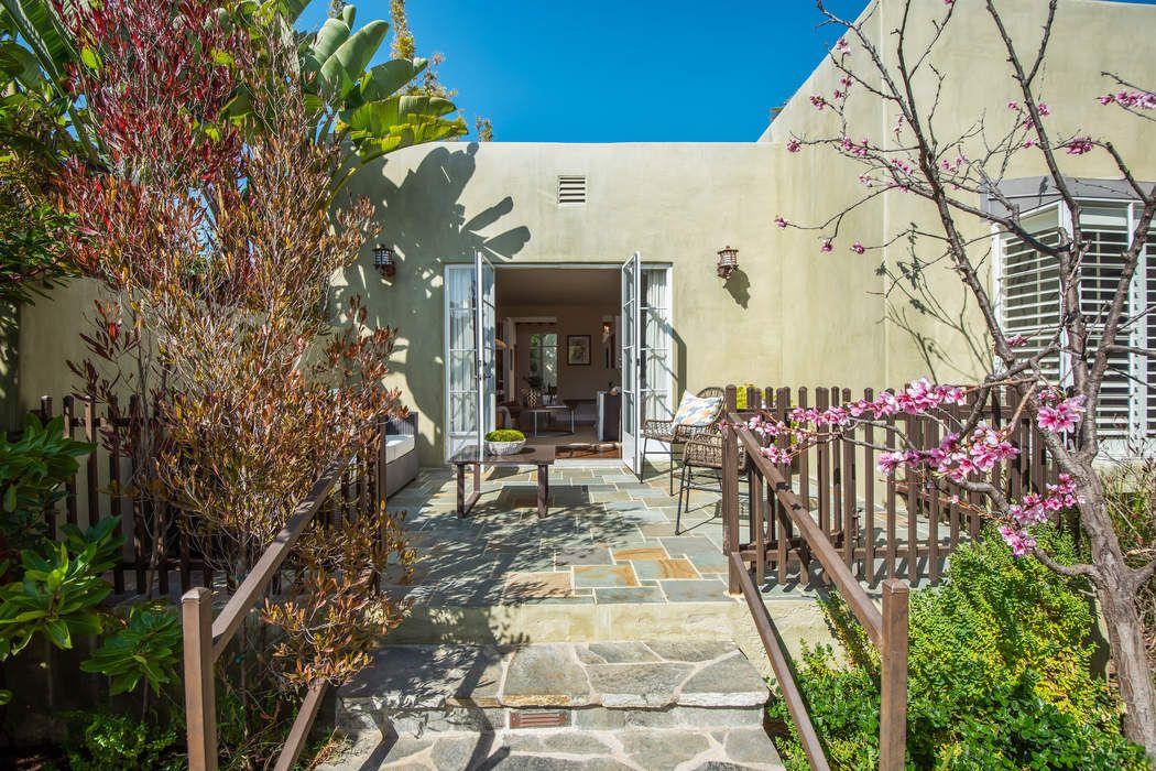 2215 California Avenue Santa Monica, CA 90403