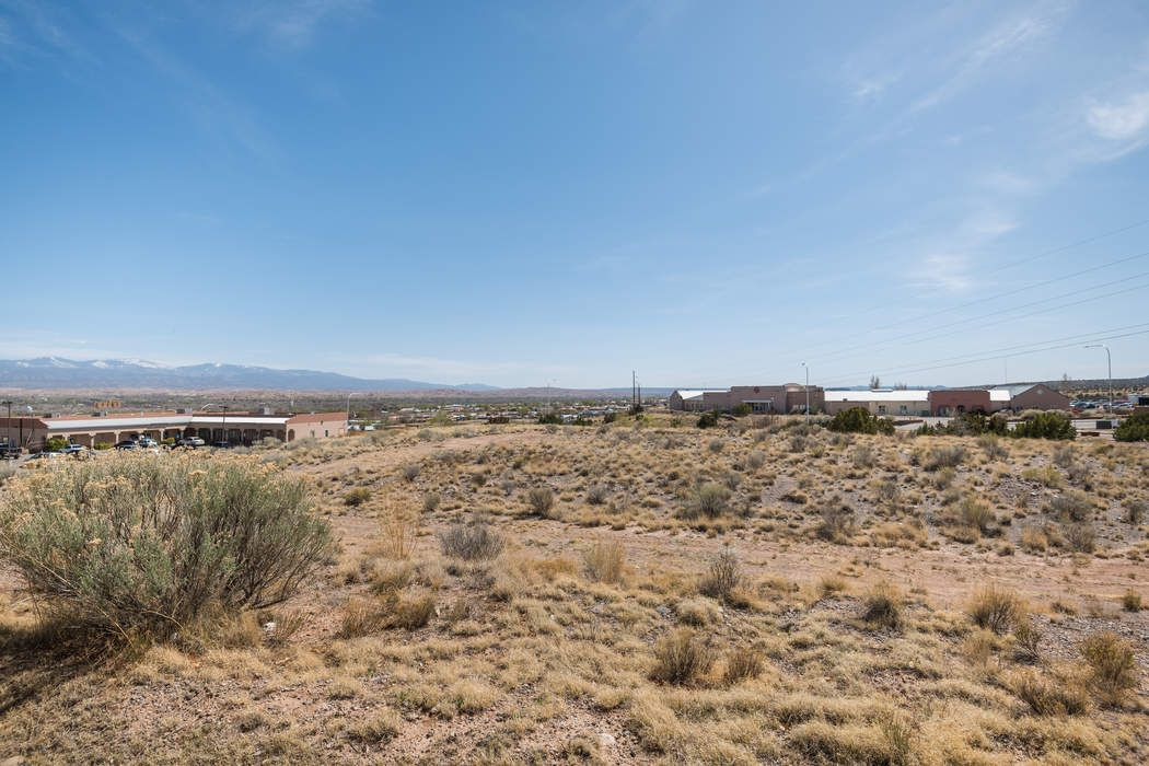 1114 Plaza Del Norte Espanola, NM 87532