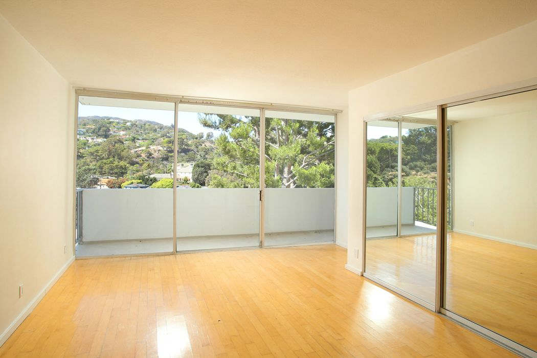 17352 W. Sunset Unit 203 Pacific Palisades, CA 90272