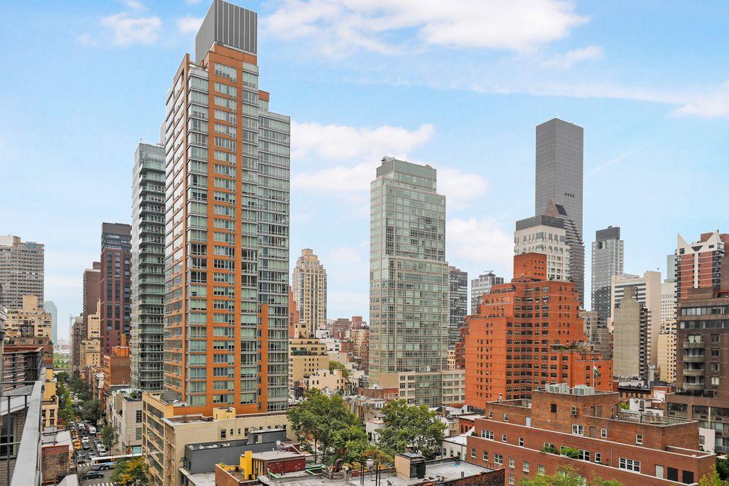 211 East 53rd Street New York, NY 10022