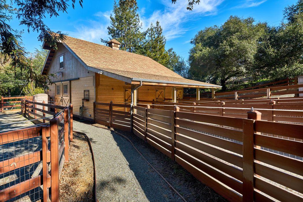24388 Amigos Ct Los Altos Hills, CA 94024