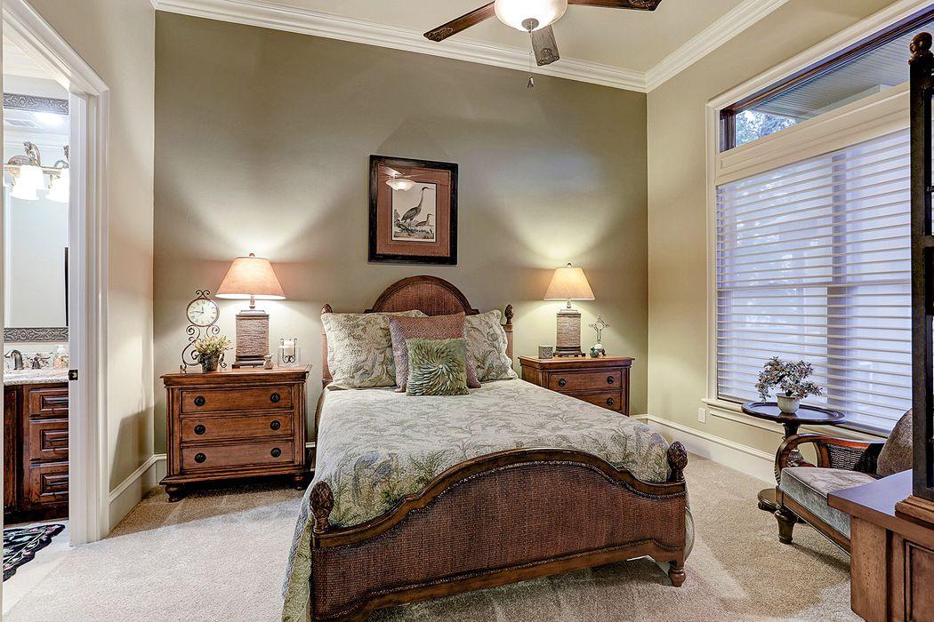 126 Bentwater Bay Drive Montgomery, TX 77356