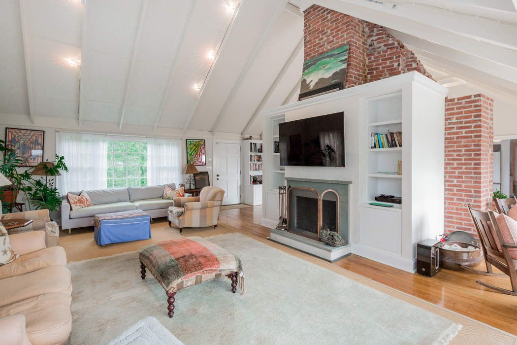 253 Georgica Road East Hampton, NY 11937