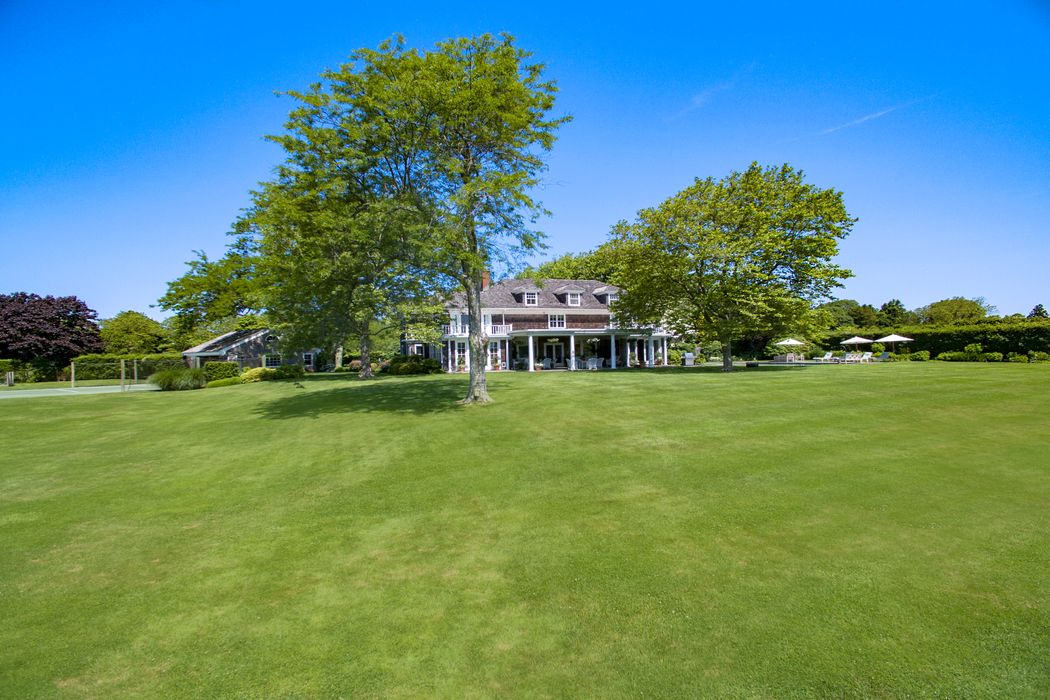 520 Captains Neck Lane Southampton, NY 11968
