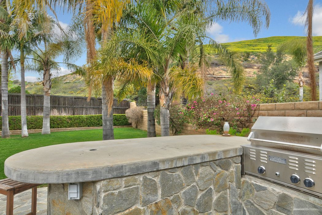 2924 Eagles Claw Avenue Thousand Oaks, CA 91362