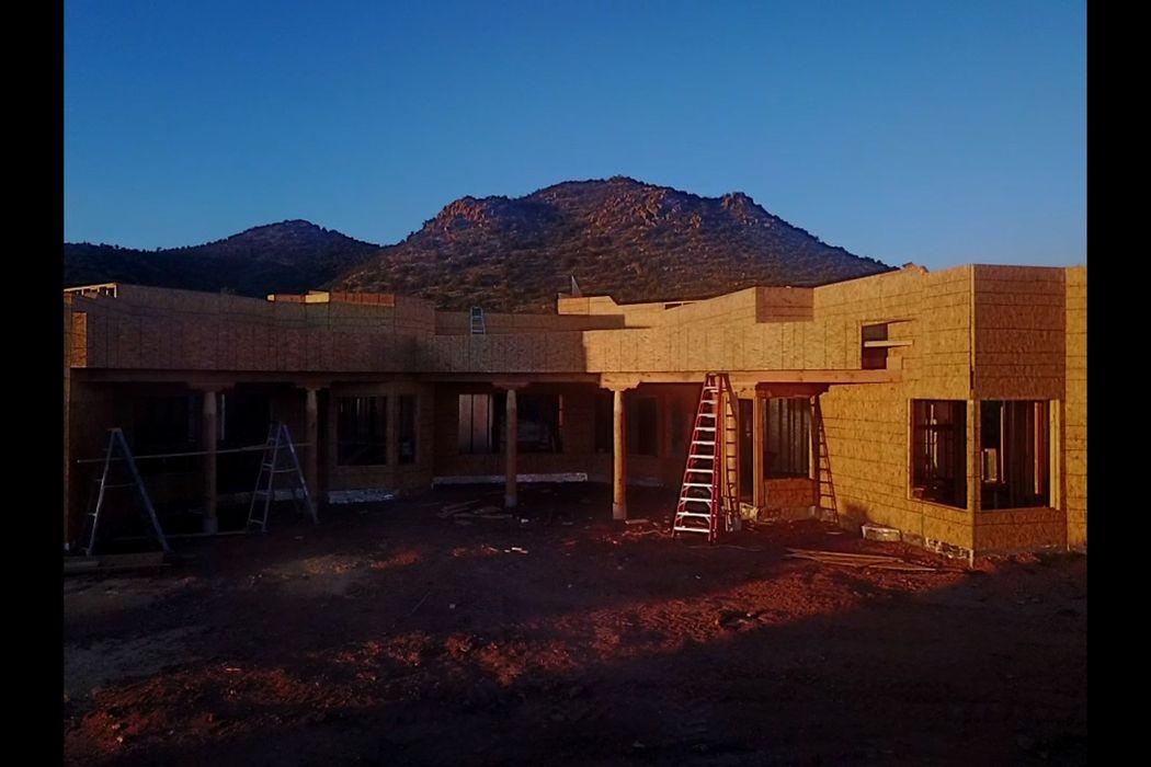 10 W. Longview Drive, Lot 16 Santa Fe, NM 87505