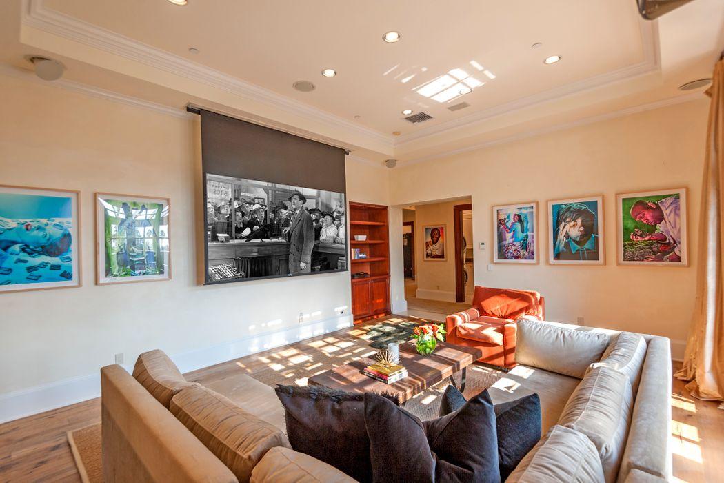 1141 Summit Drive Beverly Hills, CA 90210